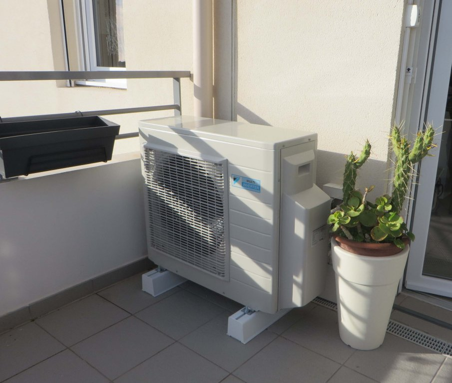 installation climatisation r versible daikin multisplit. Black Bedroom Furniture Sets. Home Design Ideas