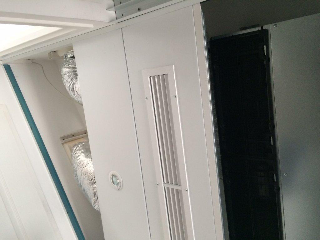 climatisation d 39 un appartement de standing bbc hy res par du gainable atlantic entreprise. Black Bedroom Furniture Sets. Home Design Ideas