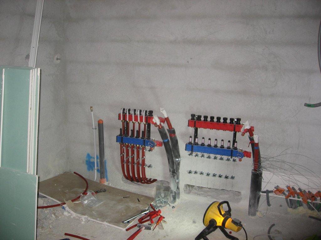 Chauffage par une pac air eau plancher dans une maison de standing situ e hy res entreprise for Plancher chauffant rehau